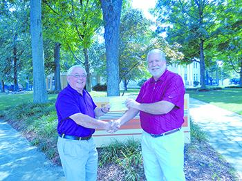 Earl Scruggs Center receives donation