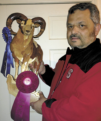 Wayne Reavis Receives Best in Show Award