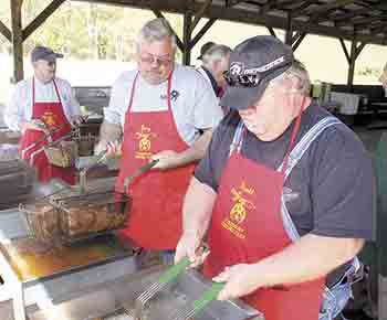 Fish Fry benefits North Shelby School