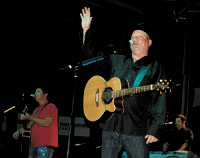Hundreds Come Out To Hear John Michael Montgomery