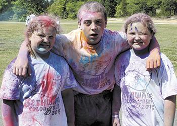 Over 450 participate in Bethware's Color Fun Run