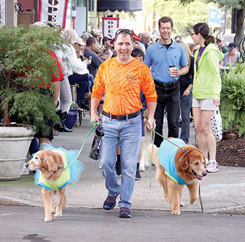 Leads Pet Parade