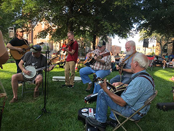 Earl Scruggs Center announces Pickin on the Square, a free event