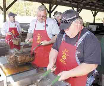 Fish Fry benefits North Shelby School